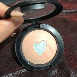 Miss Behave limited ed. Mineralize Blush/highlight